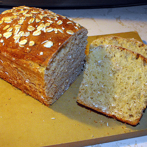 Low Calorie Honey Wheat Oatmeal Bread Machine Bread recipe – 173 calories