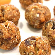 No-Bake Oatmeal Raisin Carrot Cake Bites