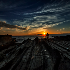 Alone by Nyoman Sundra - Landscapes Sunsets & Sunrises ( arasaki, sunset, kanagawa, beach, alone )