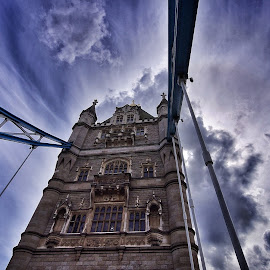 by Jose Figueiredo - Buildings & Architecture Bridges & Suspended Structures ( london, tower bridge, city )
