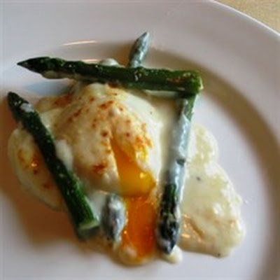 Gratin of Asparagus with Cheese and Poached Eggs