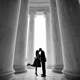 Alvin and Danniele's Engagement session in DCfilter by Mike Lesnick - People Couples ( dc, monument, Jeffersonmonument, no, pillars, kiss, engagement, silhouette, erinlesnick )