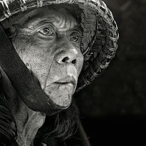 by Yoga Pratama - People Portraits of Men ( black and white, senior citizen )