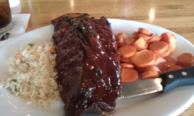 ribs, veggies & rice pilaf, yum!! good food!