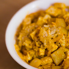 Thai Tofu Curry With Potatoes and Pineapple