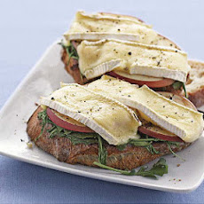 Brie, Apple, and Arugula Open Faced Sandwich