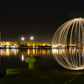 by Zyad Al-Kadiki - Abstract Light Painting