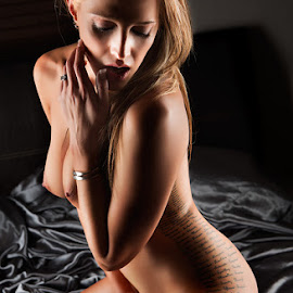 by Derek Smith - Nudes & Boudoir Artistic Nude