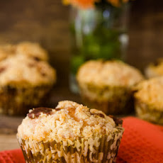 Classic Country Apple Cobbler Cupcakes