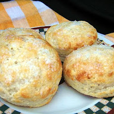 White Lily Peppered Sour Cream Biscuits