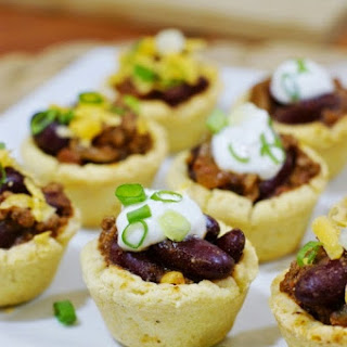 Chili Bites in Mini Cornbread Cups