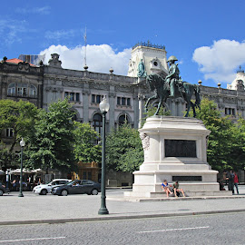 Praça  by Lia Ribeiro - Buildings & Architecture Statues & Monuments