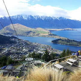 Queenstown by Melanie Chieng - Instagram & Mobile Android