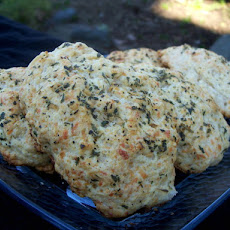 Bisquick Cheese Bread or Biscuits  (Like Red Lobster!)