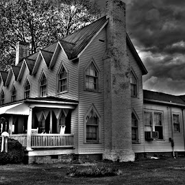 Spooky by Tony Moore - Buildings & Architecture Homes ( home, gothic, catawba nc, black and white, spooky, bw, house, special effects,  )