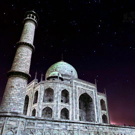 Wah ! Taj by Kallol Bhattacharjee - Buildings & Architecture Public & Historical ( love, taj mahal, historical, nightscape,  )