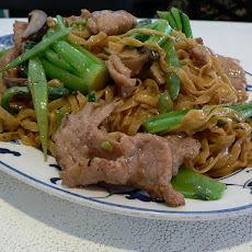 Spicy Pork Lo Mein