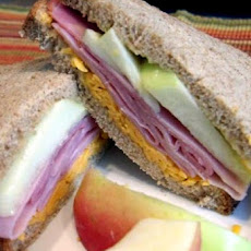 Cheddar - Apple & Ham Sandwich