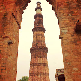 Qutub Minar by Roman Kullu - Buildings & Architecture Statues & Monuments ( monuments, statue, new delhi, artistic, india, historical, world,  )