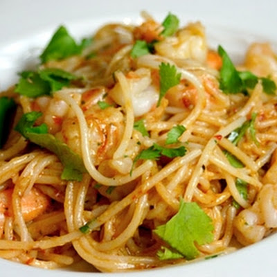 Paella Style Spaghetti with Shrimp
