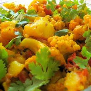 Aloo Gobi Masala (Cauliflower and Potato Curry)