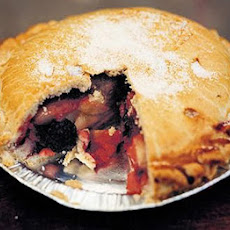 Gales Blackberry & Apple Pie