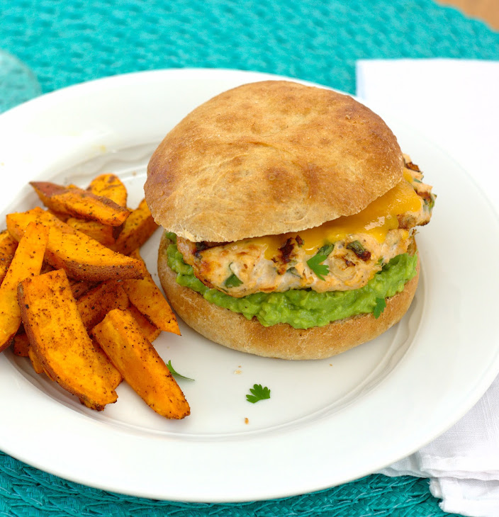 Cheddar Jalapeño Chicken Burgers with Guacamole Recept | Yummly