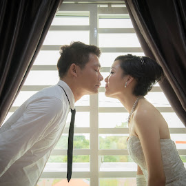 Love is eternity. by Leon Low - Wedding Bride & Groom