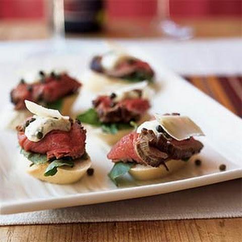 Seared Beef Tenderloin Mini Sandwiches with Mustard-Horseradish Sauce