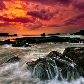 Melasti Dawn by Raung Binaia - Landscapes Waterscapes ( bali, sunset, indonesia beach )