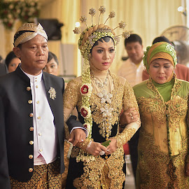 Weding Ceremony by Hery Sulistianto - People Family (  )