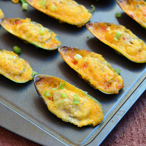 Baked Tahong with Sweet Chili-Mayo Topping