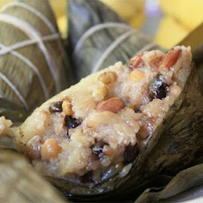 Glutinous Rice and Chinese Sausage Wrapped in Banana Leaves