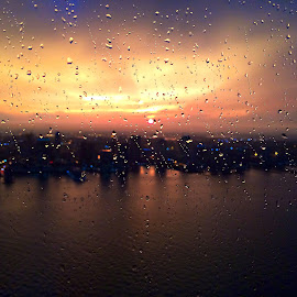 Rain + Sunset by Devesh Varshney - Instagram & Mobile iPhone ( sunset, topfloor, manhattan, newyork, rain )