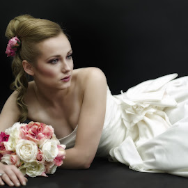 Brid by Monika Schaible - Wedding Bride ( glamour, studio, bouquet, dreamy, beautiful, blond, romantic, white dress, wedding dress, bride, flowers, book cover )
