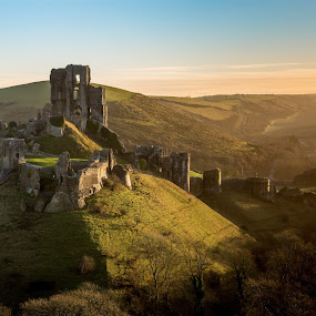 Sunrise over Corfe Castle by Kevin Standage - Buildings & Architecture Public & Historical ( canon, sun rise, corfe, castle, landscape, dorset )