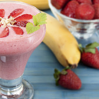 Strawberry Banana Yogurt Protein Smoothie Recipes