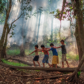 When The Children Play.. by Hendrik Priyanto - Babies & Children Children Candids ( play, pekanbaru, human interest, children, portrait )