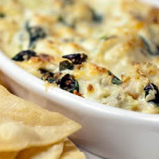 Baked Crab, Brie, and Artichoke Dip