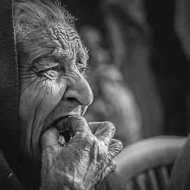 by Sankalan Banik - People Street & Candids ( woman, b&w, portrait, person )