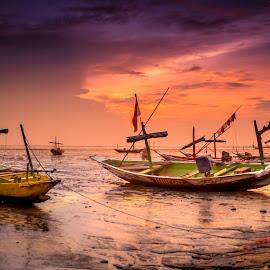 Boats at Kenjeran Beach by Ary Hastono - Transportation Boats ( #surabaya, #gyosen, #perahunelayan, #kenjeran, #indonesianbeach, #beach, #beach_indonesia, #sunrise )