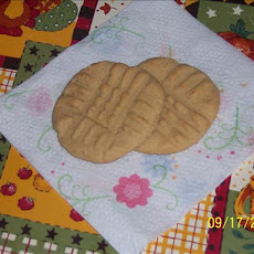 The Best (And One of the Easiest) Peanut Butter Cookies! (Kisses