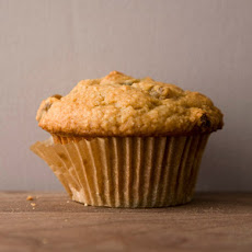 Golden Raisin Oat Bran Muffins