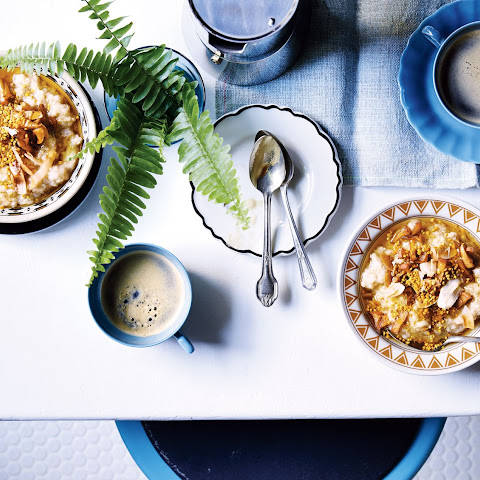 5-Grain Porridge with Bee Pollen, Apples, and Coconut