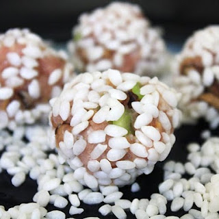 Pearly Meatballs (Chinese Pork Meatballs with Glutinous Rice)