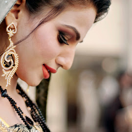 Elegance by Alí AWaís - Wedding Bride ( pakistan, wedding, asia, candid, nikon, bride )