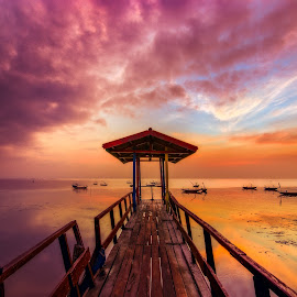 Ken by Yossy Ryananta - Landscapes Travel ( travel, sunrise, beach, suspended, surabaya )