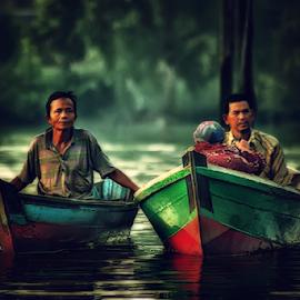 by Lay Sulaiman - Uncategorized All Uncategorized ( boats, human,  )