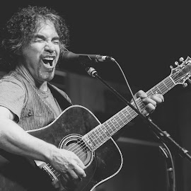 John Oates by Amy Kenyon - People Musicians & Entertainers