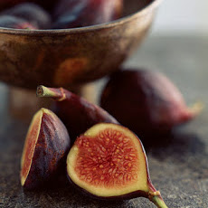 Pan-Seared Figs on Baby Greens with Hazelnuts